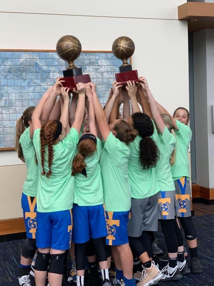 2019 6th/7th Grades celebrate D1 state titles